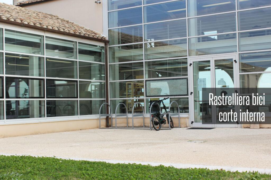 Rastrelliera per bici biblioteca emilio lussu